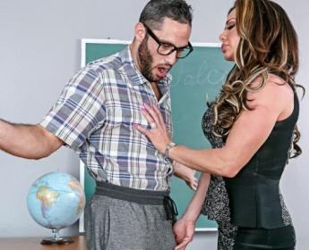 Nina Dolci Teaches the Art of Pleasure for Naughty America